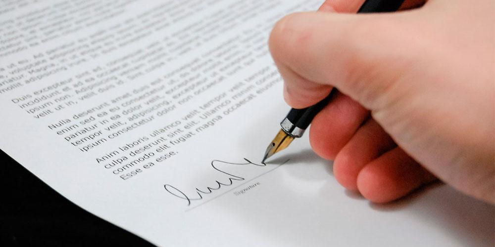 Contrato de préstamo y donación entre socios o familiares en Bilbao