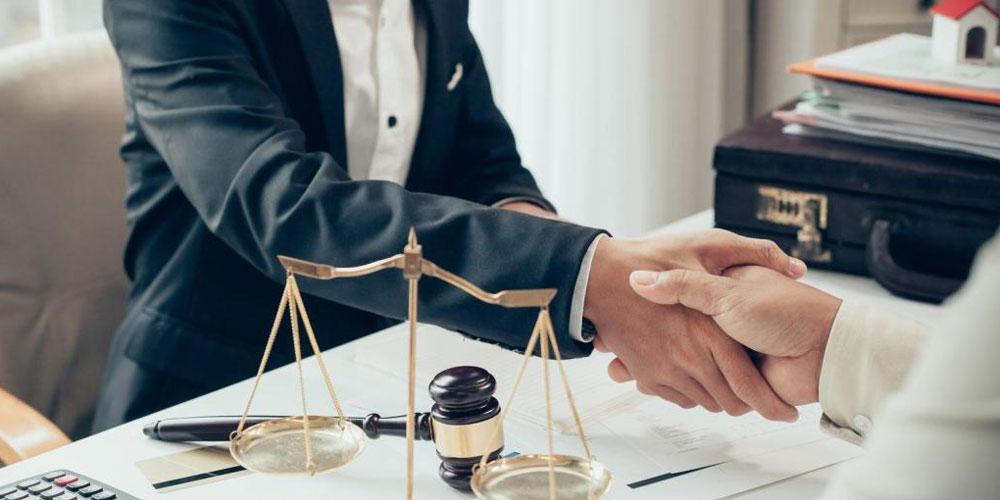 Redacción de contratos civiles o mercantiles